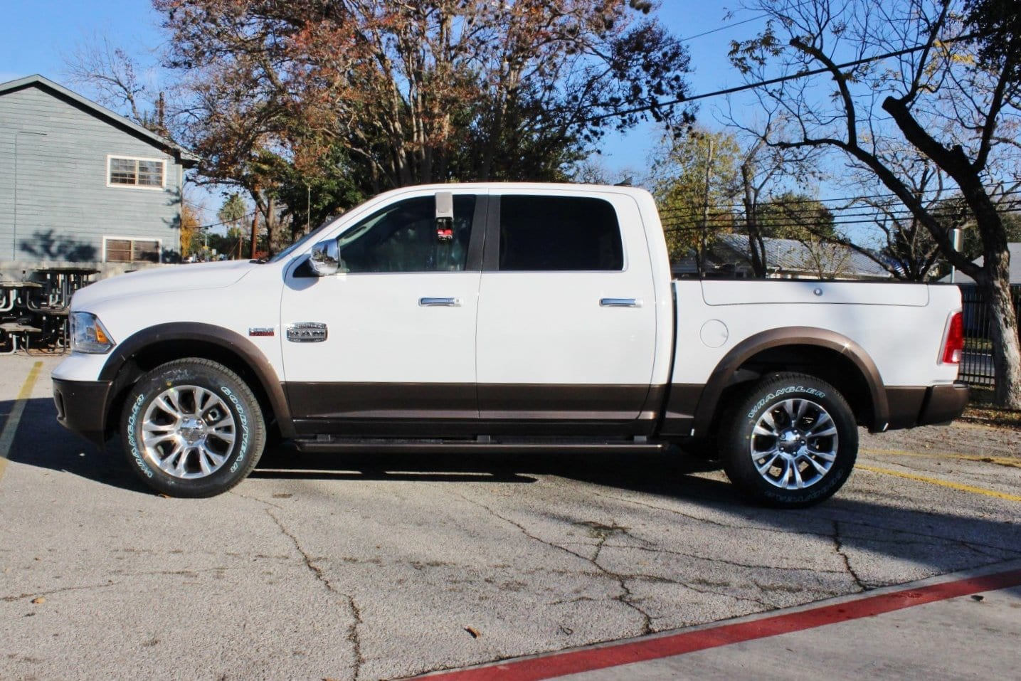 2018 Ram 1500 Crew Cab 4x4, Pickup #TS194265 - photo 3