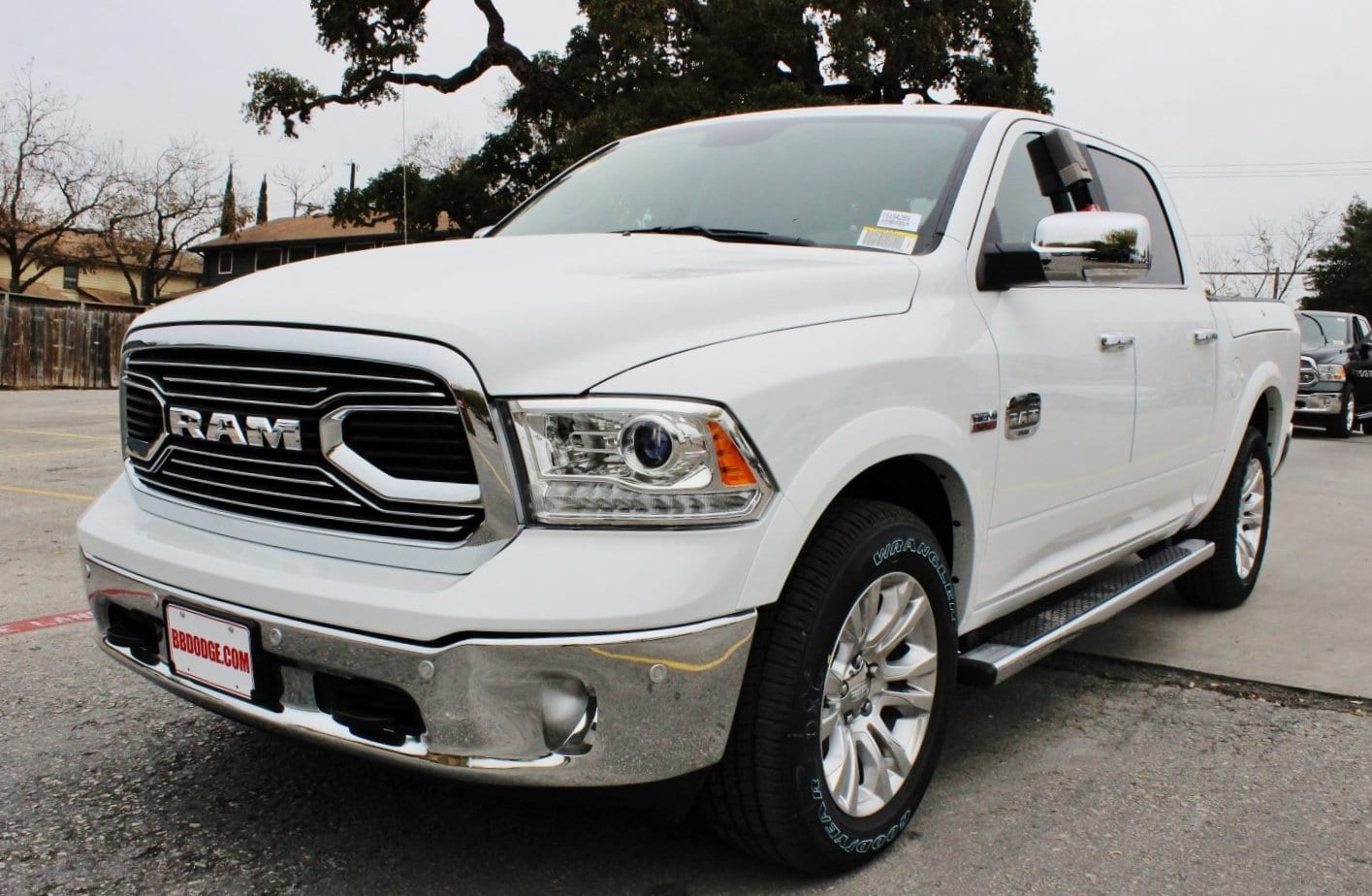 2018 Ram 1500 Crew Cab 4x4, Pickup #TS194269 - photo 3