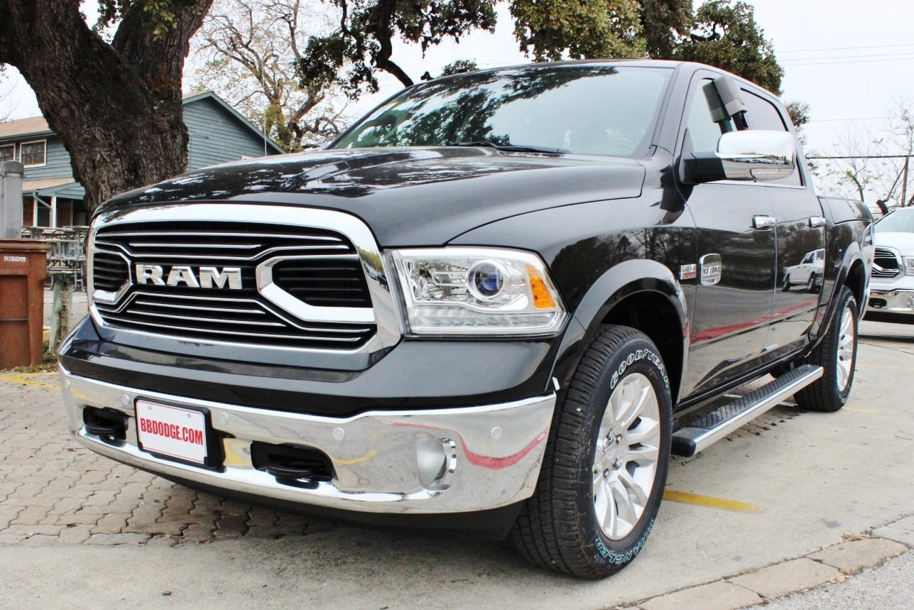 2018 Ram 1500 Crew Cab 4x4, Pickup #TS194270 - photo 3