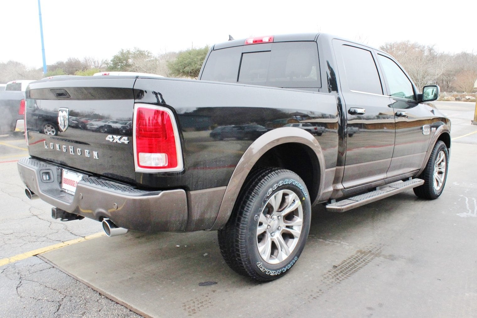 2018 Ram 1500 Crew Cab 4x4, Pickup #TS197759 - photo 2