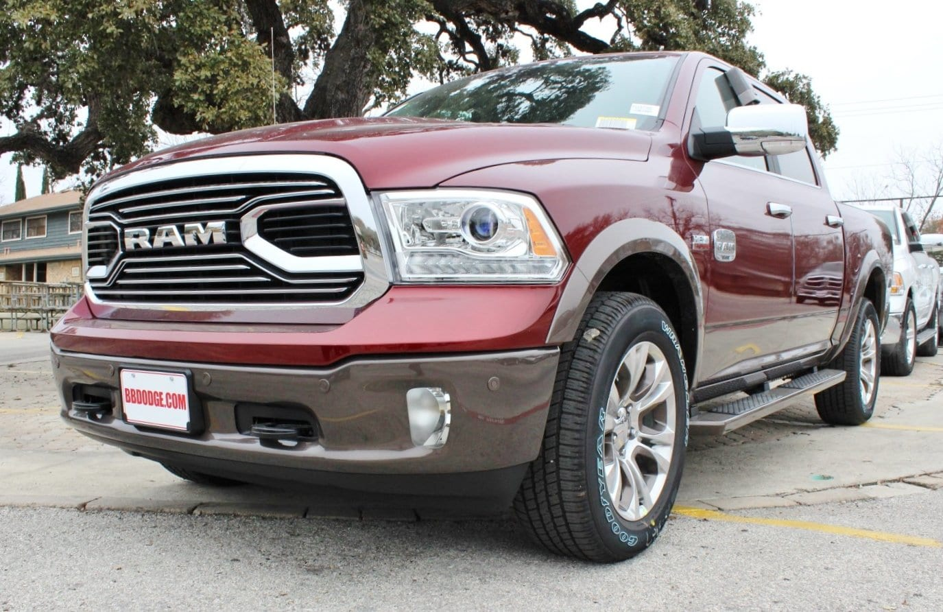 2018 Ram 1500 Crew Cab 4x4, Pickup #TS197760 - photo 3