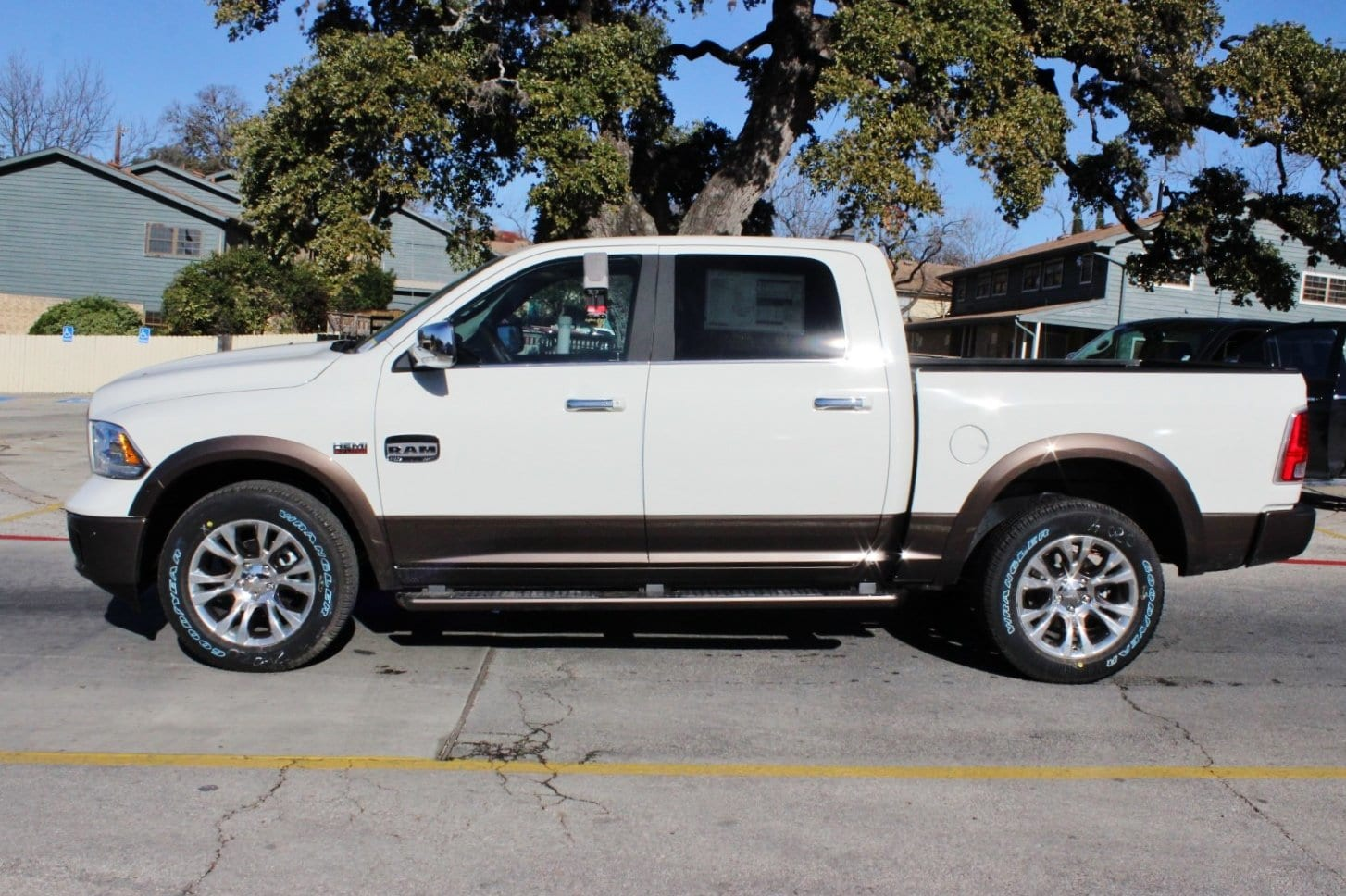 2018 Ram 1500 Crew Cab 4x4, Pickup #TS197761 - photo 4
