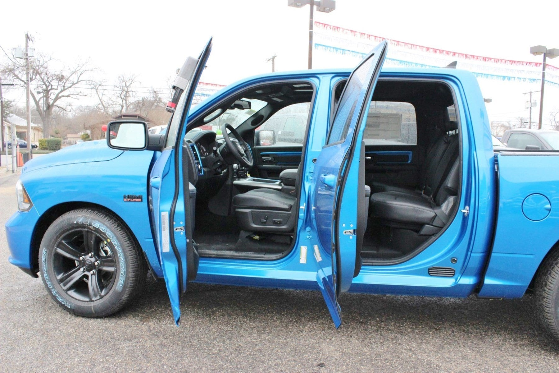 2018 Ram 1500 Crew Cab 4x4, Pickup #TS223844 - photo 14