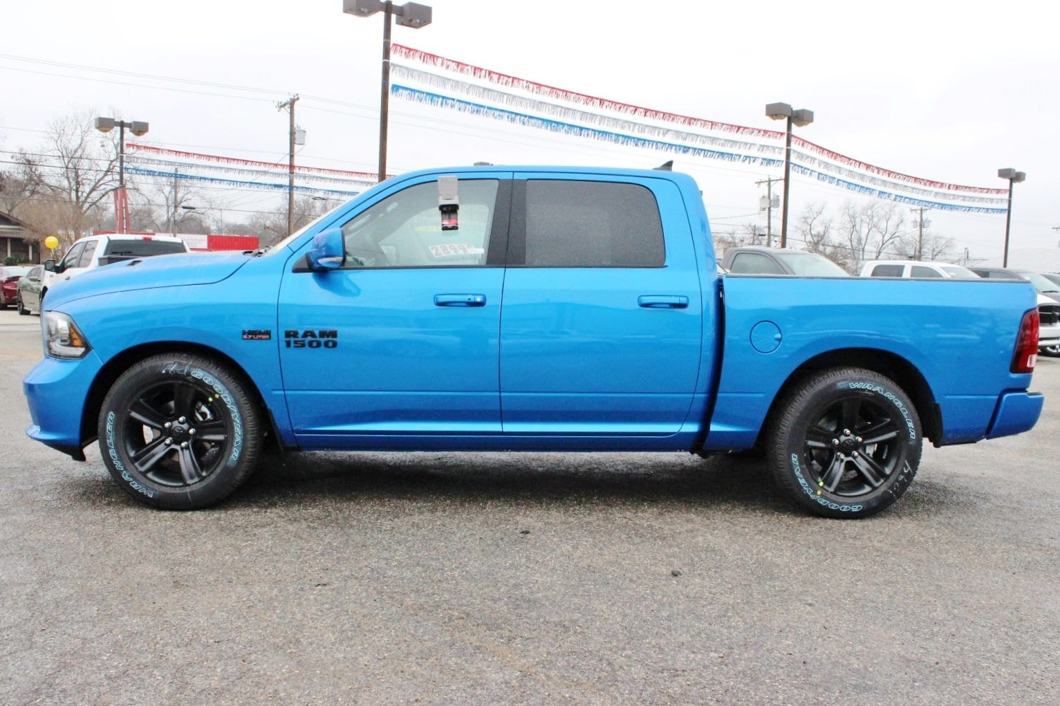 2018 Ram 1500 Crew Cab 4x4, Pickup #TS223844 - photo 4