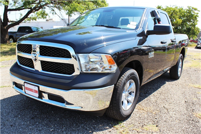 2018 Ram 1500 Quad Cab 4x2,  Pickup #TS347423 - photo 3