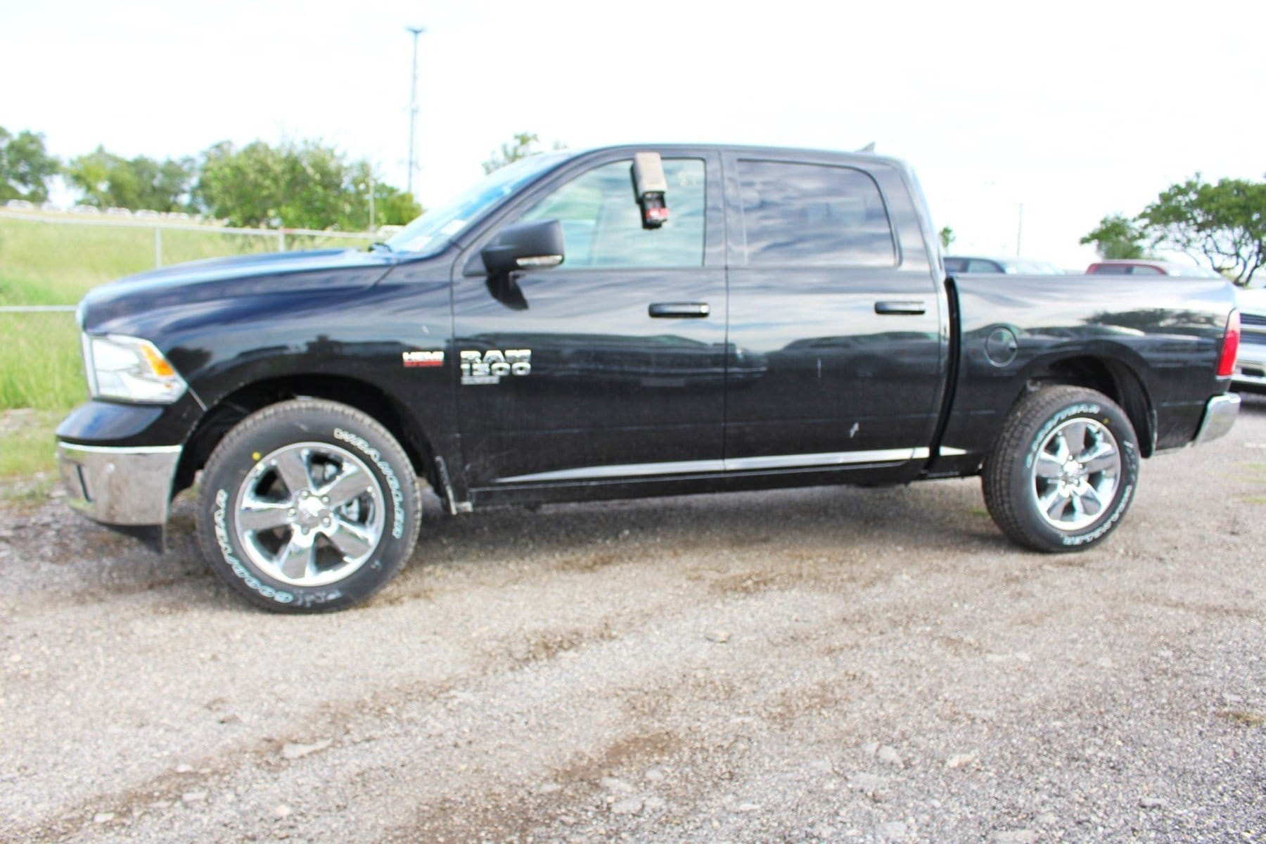 2019 Ram 1500 Crew Cab 4x2,  Pickup #TS538149 - photo 4