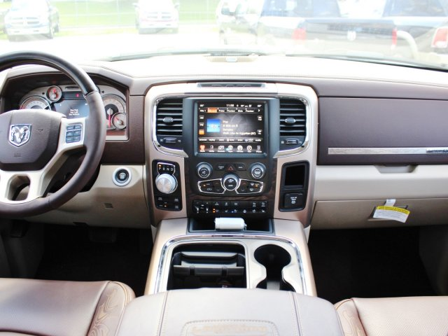2017 Ram 1500 Crew Cab 4x4, Pickup #TS698691 - photo 6
