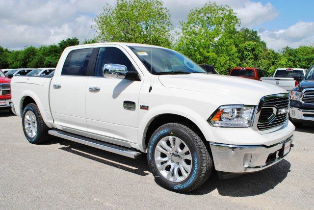 2017 Ram 1500 Crew Cab 4x4, Pickup #TS698695 - photo 5