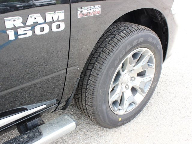 2017 Ram 1500 Crew Cab 4x4, Pickup #TS719390 - photo 15