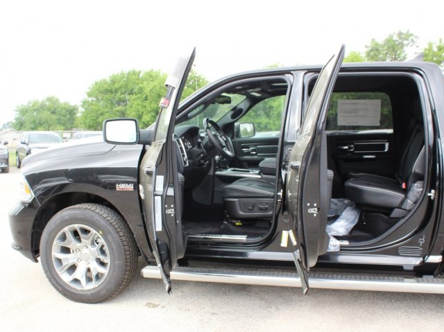 2017 Ram 1500 Crew Cab 4x4, Pickup #TS719390 - photo 18