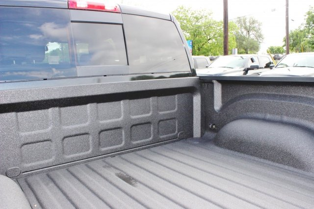 2017 Ram 1500 Crew Cab 4x4, Pickup #TS720532 - photo 14