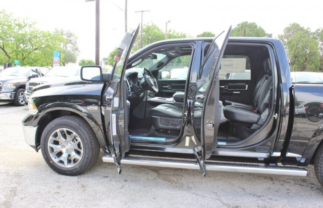 2017 Ram 1500 Crew Cab 4x4, Pickup #TS720532 - photo 16