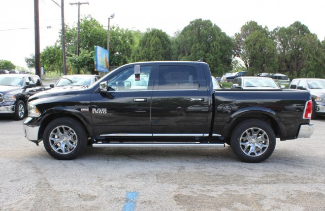 2017 Ram 1500 Crew Cab 4x4, Pickup #TS720532 - photo 4
