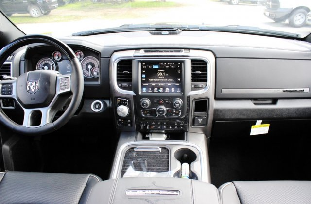 2017 Ram 1500 Crew Cab 4x4, Pickup #TS720532 - photo 6