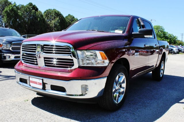 2017 Ram 1500 Crew Cab, Pickup #TS735890 - photo 3