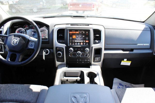 2017 Ram 1500 Crew Cab, Pickup #TS735890 - photo 6