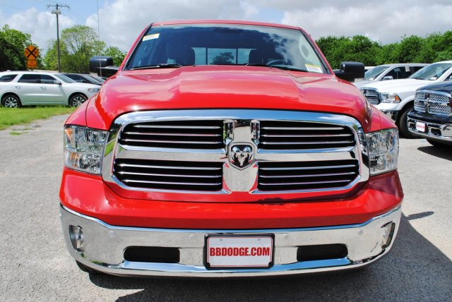 2017 Ram 1500 Crew Cab Pickup #TS735891 - photo 4