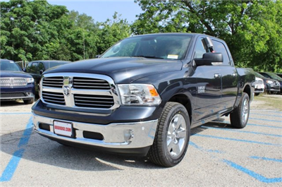 2017 Ram 1500 Crew Cab Pickup #TS735893 - photo 3
