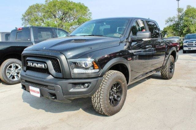 2017 Ram 1500 Crew Cab 4x4, Pickup #TS749817 - photo 3
