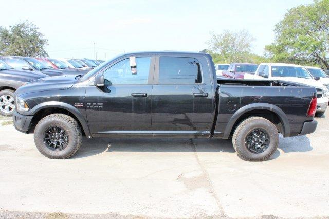 2017 Ram 1500 Crew Cab 4x4, Pickup #TS749817 - photo 4