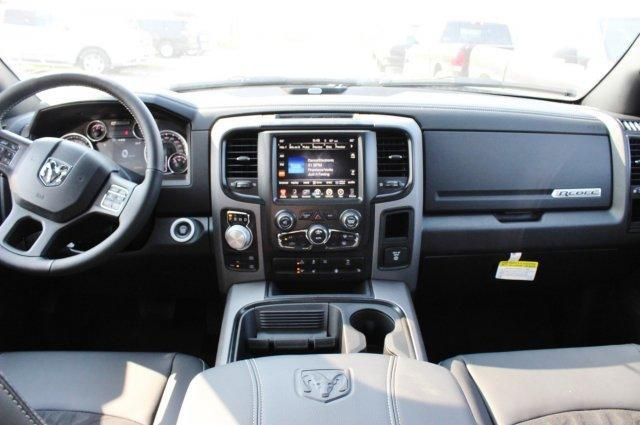 2017 Ram 1500 Crew Cab 4x4, Pickup #TS749817 - photo 6