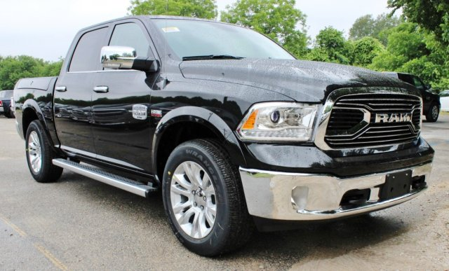 2017 Ram 1500 Crew Cab 4x4, Pickup #TS757982 - photo 1