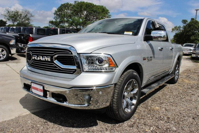 2017 Ram 1500 Crew Cab 4x4, Pickup #TS812004 - photo 3