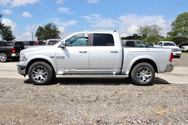 2017 Ram 1500 Crew Cab 4x4, Pickup #TS812004 - photo 4