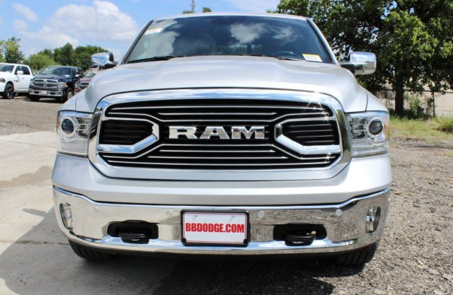 2017 Ram 1500 Crew Cab 4x4, Pickup #TS812004 - photo 5