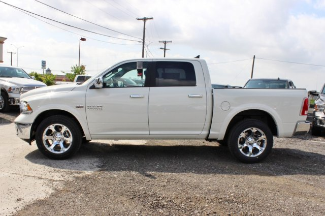 2017 Ram 1500 Crew Cab 4x4 Pickup #TS832662 - photo 3