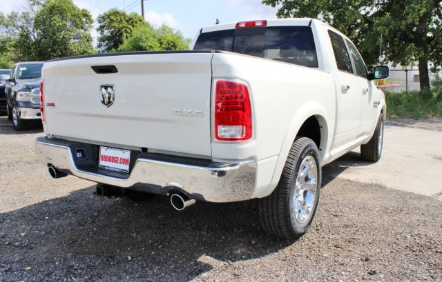 2017 Ram 1500 Crew Cab 4x4 Pickup #TS832662 - photo 2