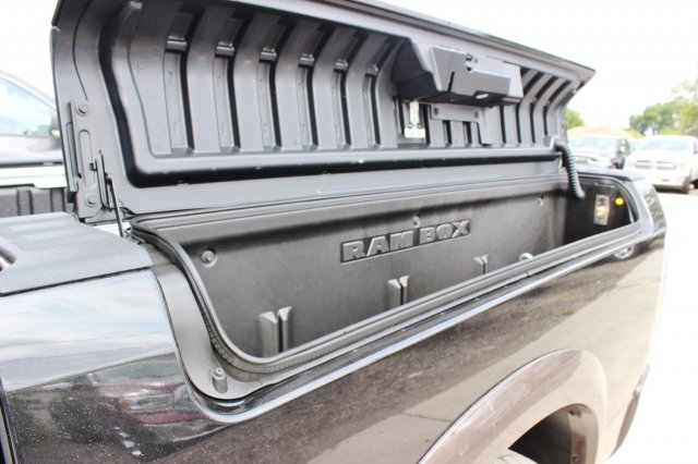 2017 Ram 1500 Crew Cab 4x4 Pickup #TS842674 - photo 13