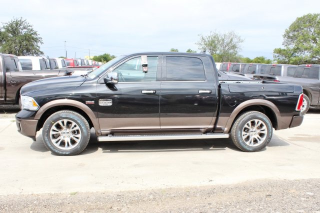 2017 Ram 1500 Crew Cab 4x4 Pickup #TS842674 - photo 4