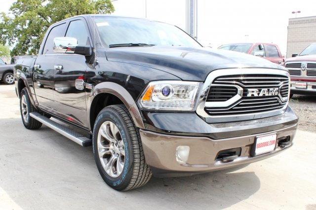 2017 Ram 1500 Crew Cab 4x4 Pickup #TS842674 - photo 1