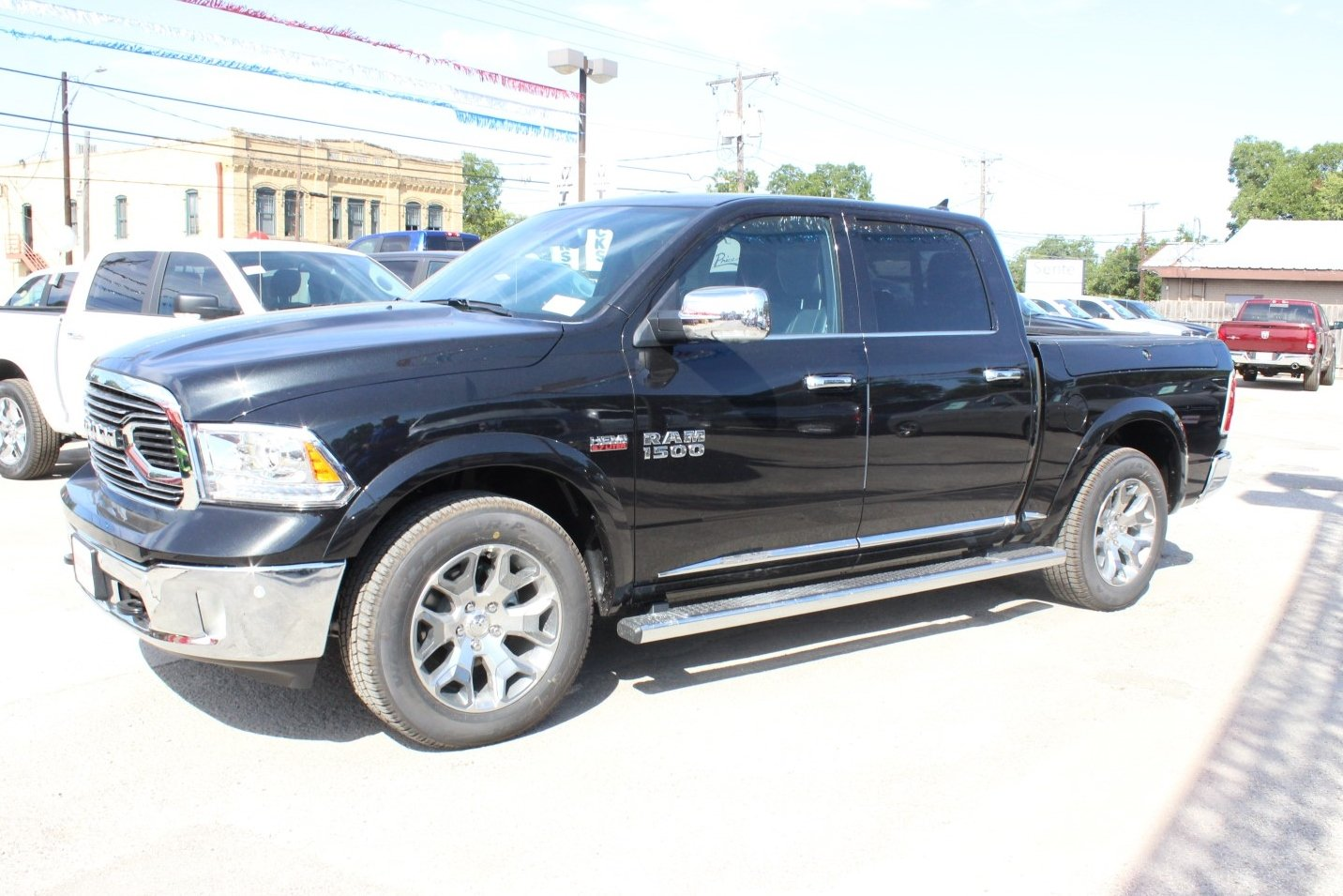2017 Ram 1500 Crew Cab 4x4, Pickup #TS843901 - photo 4