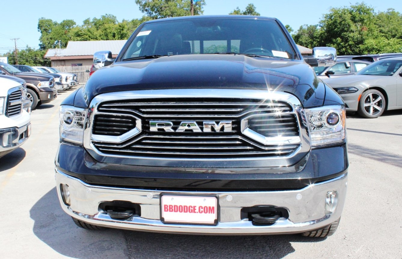 2017 Ram 1500 Crew Cab 4x4, Pickup #TS843901 - photo 5