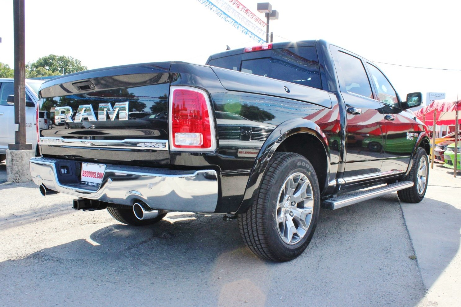 2017 Ram 1500 Crew Cab 4x4, Pickup #TS843901 - photo 2