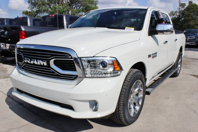 2017 Ram 1500 Crew Cab 4x4 Pickup #TS850558 - photo 3