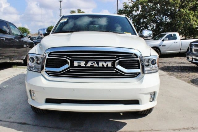 2017 Ram 1500 Crew Cab 4x4 Pickup #TS850558 - photo 5