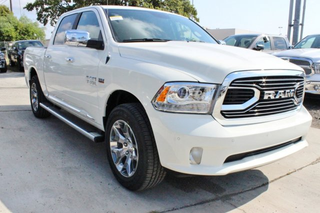 2017 Ram 1500 Crew Cab 4x4 Pickup #TS850558 - photo 1