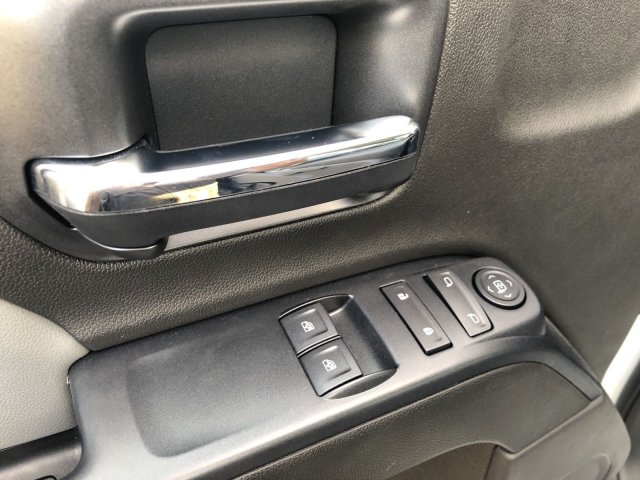 2019 Silverado Medium Duty Regular Cab DRW 4x4, Knapheide KMT Mechanics Body #192334 - photo 13