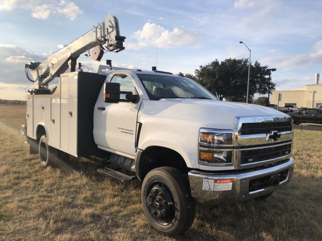 2019 Silverado Medium Duty Regular Cab DRW 4x4, Knapheide KMT Mechanics Body #192334 - photo 1