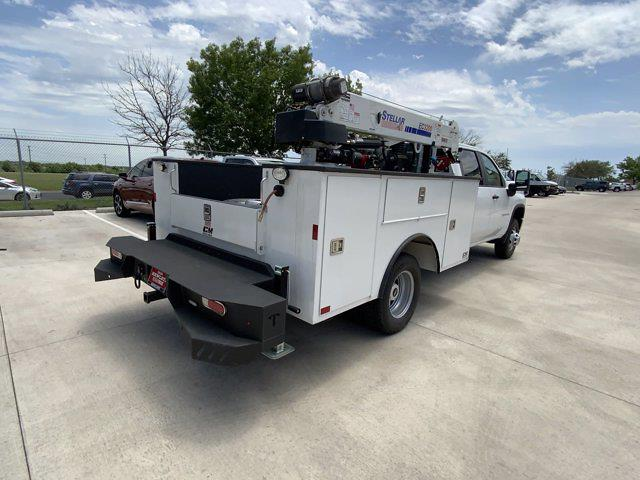 2021 Chevrolet Silverado 3500 Crew Cab AWD, Mechanics Body #211015 - photo 1