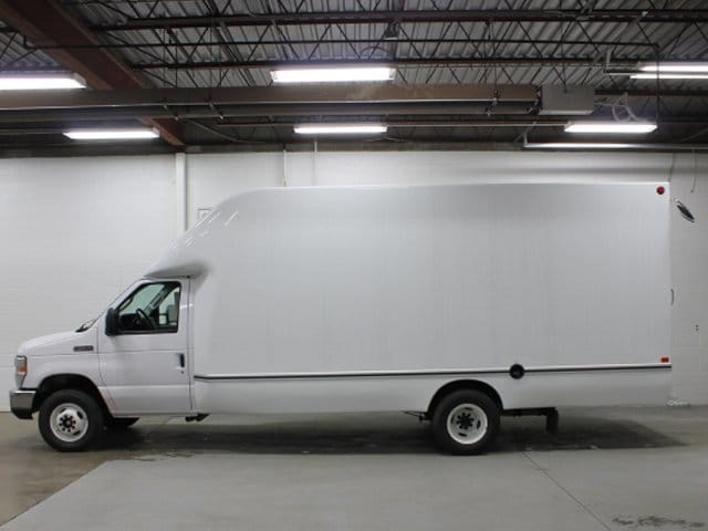 2017 E-450 4x2,  Unicell Aerocell Cutaway Van #172097TZ - photo 2