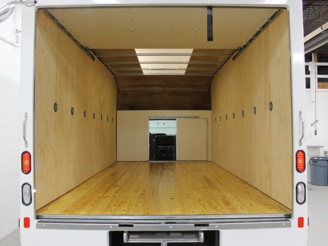 2017 E-450 4x2,  Unicell Aerocell Cutaway Van #172097TZ - photo 19