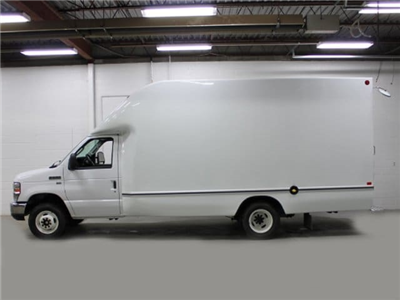 2017 E-350, Unicell Aerocell Cutaway Van #172182TZ - photo 2