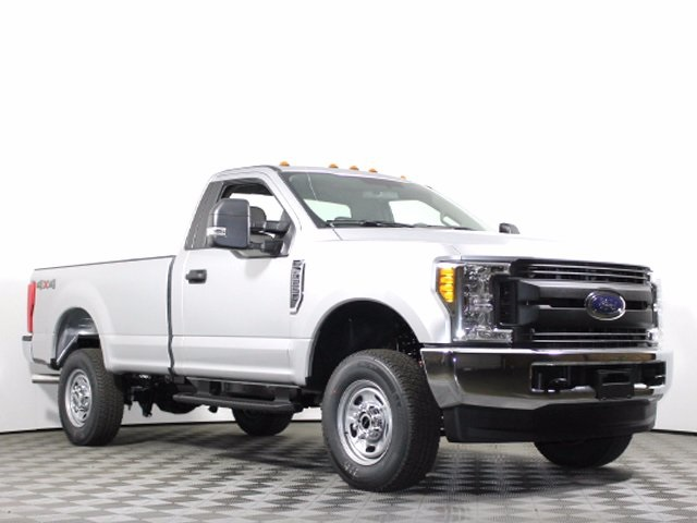 2017 F-250 Regular Cab 4x4, Pickup #172534TZ - photo 3