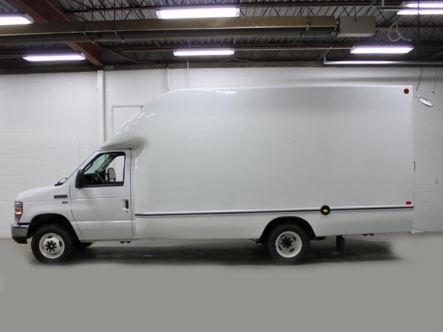 2018 E-350 4x2,  Unicell Aerocell Cutaway Van #180950TZ - photo 3
