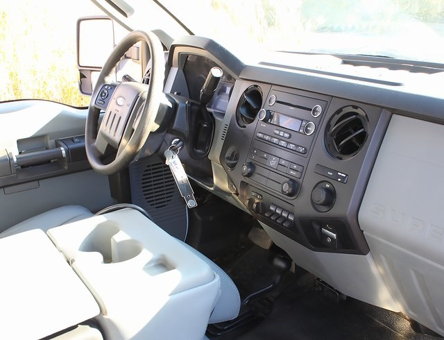 2012 F-550 Regular Cab DRW 4x4,  Landscape Dump #181052TZA - photo 8