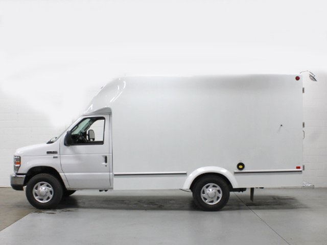 2018 E-350, Unicell Cutaway Van #181174TZ - photo 2